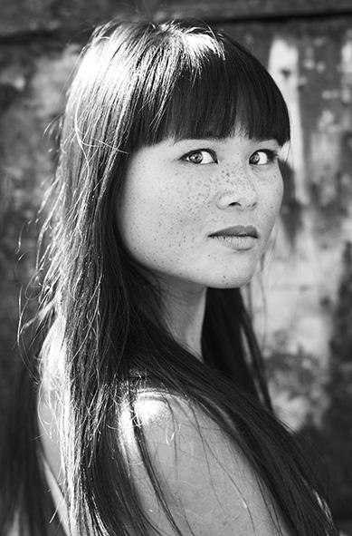 Nhung Dam | schrijfster, theatermaker & tv-actrice